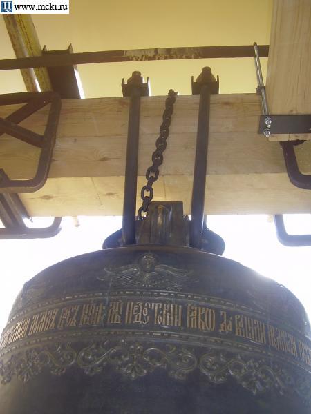 Крепление колоколов на звоннице этому